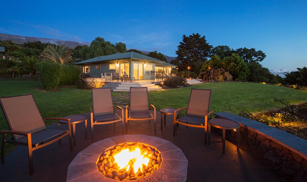 Luxury Backyard Fire Pits